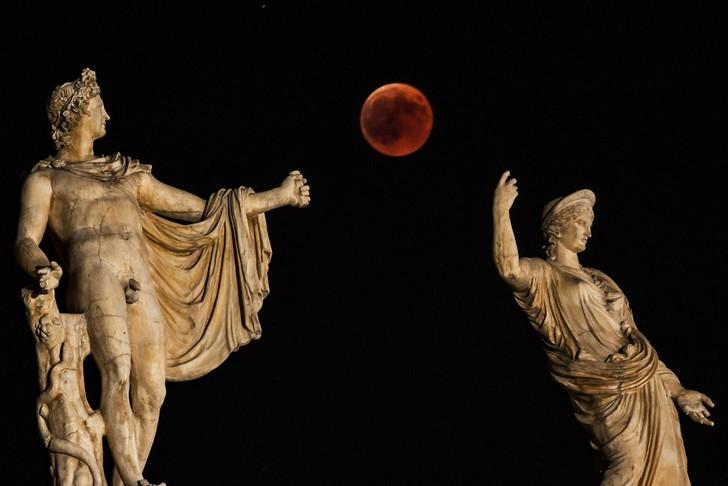 la danse de la lune rouge